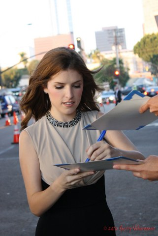Anna Kendrick Signing Autographs