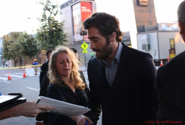 Jake Gyllenhaal Signing Autographs