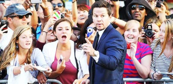 Mar Wahlberg and Fans