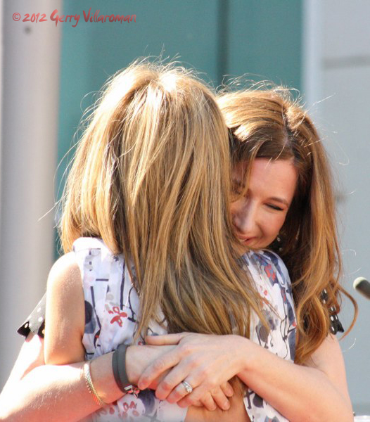 Kathryn Hahn & Jennifer Aniston