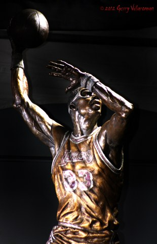 Kareem Abdul-Jabbar Statue